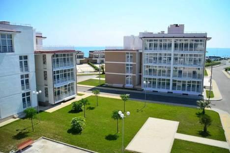 Сдается 3-комнатная квартира посуточнов Гагре, бульвар Надежд 6.