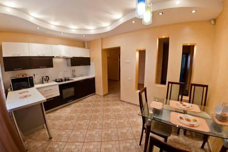 Сдается 4-комнатная квартира посуточно в Оренбурге, ул. Аксакова, 20б.