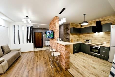 Сдается 1-комнатная квартира посуточно в Оренбурге, улица Тимирязева, 16.