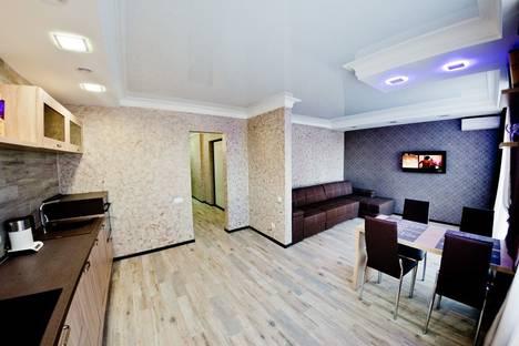 Сдается 1-комнатная квартира посуточно в Оренбурге, улица Попова, 103.