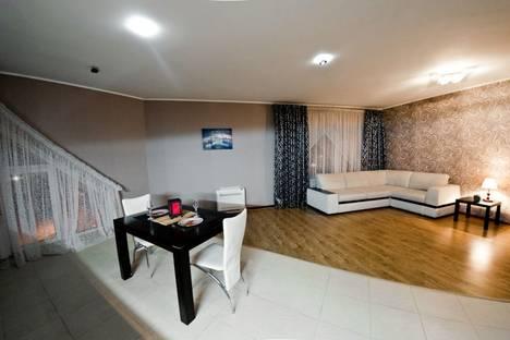 Сдается 2-комнатная квартира посуточно в Оренбурге, ул. М. Горького, 8.