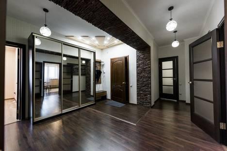 Сдается 2-комнатная квартира посуточно в Оренбурге, улица Ноябрьская, 43/2.