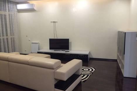 Сдается 3-комнатная квартира посуточнов Сочи, проспект Пушкина, 6.