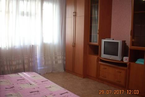 Сдается 1-комнатная квартира посуточнов Тюмени, 50 лет Октября 80к1.