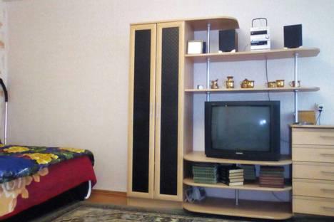 Сдается 1-комнатная квартира посуточно в Назарове, улица Арбузова, 87а.