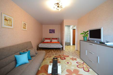 Сдается 1-комнатная квартира посуточно в Воронеже, проспект Труда, 72.