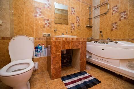 Сдается 3-комнатная квартира посуточно в Комсомольске-на-Амуре, Севастопольская улица, 8.