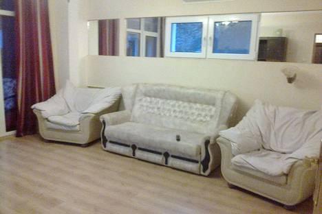 Сдается 2-комнатная квартира посуточно в Партените, ул. Солнечная 11.