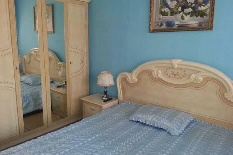 Сдается 2-комнатная квартира посуточнов Партените, 12 улица Солнечная.
