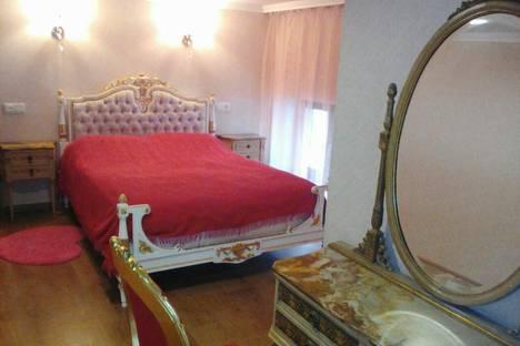 Сдается 4-комнатная квартира посуточнов Ереване, Аршакуняц проспект,Мол 39.