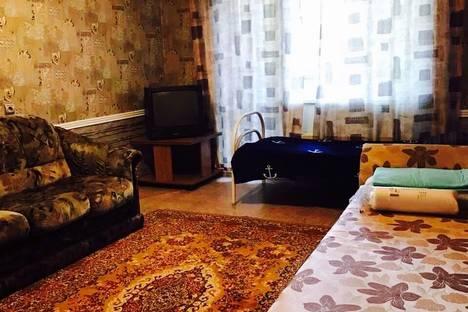 Сдается 2-комнатная квартира посуточнов Тюмени, ул. Демьяна Бедного, 98/3.