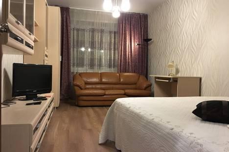 Сдается 1-комнатная квартира посуточно в Твери, улица Заречная, 16.