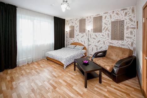 Сдается 1-комнатная квартира посуточно в Челябинске, улица Академика Макеева, 15.