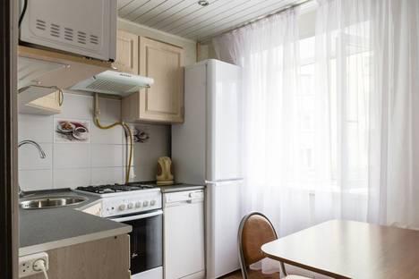 Сдается 2-комнатная квартира посуточно в Мурманске, улица Самойловой, 9.