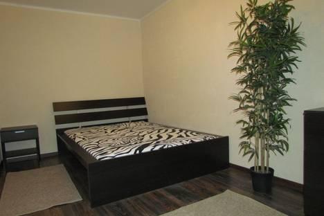 Сдается 2-комнатная квартира посуточно в Мурманске, улица Самойловой, 16.