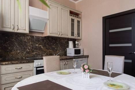 Сдается 3-комнатная квартира посуточно в Мурманске, ул. Профсоюзов, 1.