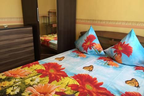 Сдается 3-комнатная квартира посуточно в Астрахани, улица Савушкина дом 23.