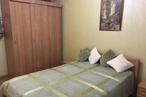 Сдается 2-комнатная квартира посуточнов Сочи, улица Островского д.1.