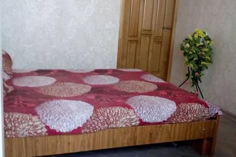 Сдается 2-комнатная квартира посуточно в Волгограде, бульвар 30-летия Победы 42.