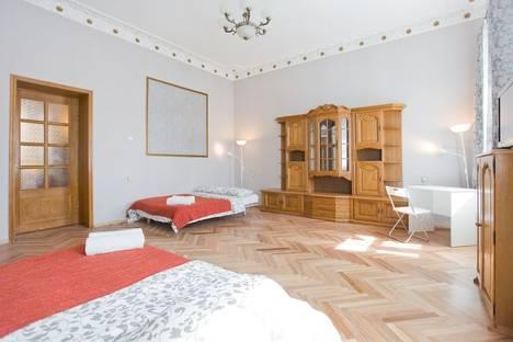 Сдается 3-комнатная квартира посуточнов Санкт-Петербурге, Казанская улица 17-19.