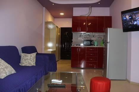Сдается 2-комнатная квартира посуточно в Батуми, улица Зураба Горгиладзе, 120.