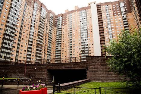 Сдается 2-комнатная квартира посуточно в Санкт-Петербурге, проспект Космонавтов, 61 корпус 1.