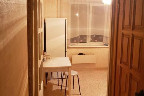 Сдается 2-комнатная квартира посуточнов Ельце, улица Яна Фабрициуса 1а.