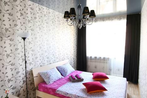 Сдается 2-комнатная квартира посуточно в Красноярске, улица Горького, 18.