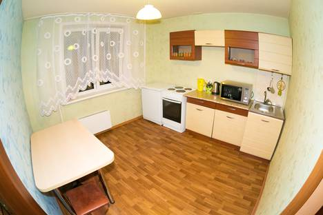 Сдается 2-комнатная квартира посуточно в Новокузнецке, проспект Н. С. Ермакова, 30.