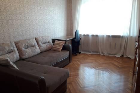 Сдается 2-комнатная квартира посуточно в Туле, улица Революции, 16.