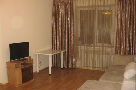 Сдается 2-комнатная квартира посуточно в Хабаровске, улица Панькова, 29б.