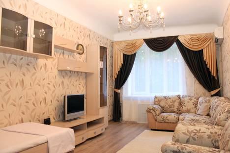 Сдается 2-комнатная квартира посуточнов Волгограде, улица Советская, 43.
