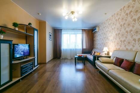 Сдается 2-комнатная квартира посуточно в Самаре, улица Братьев Коростелевых, 152.