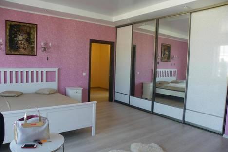 Сдается 1-комнатная квартира посуточнов Сочи, улица Просвещения, 84.