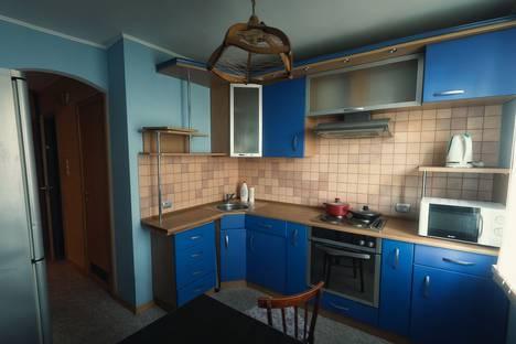 Сдается 2-комнатная квартира посуточно в Тюмени, улица Профсоюзная, 70.