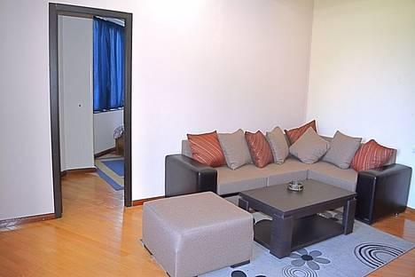 Сдается 2-комнатная квартира посуточно, ул. Чантурия, 5.
