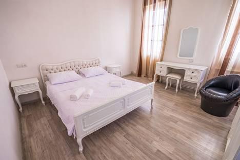 Сдается 4-комнатная квартира посуточно, Зубалашвили, 7.