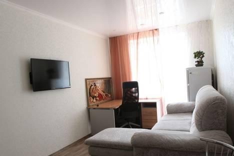 Сдается 2-комнатная квартира посуточно в Тольятти, улица Спортивная, 6.