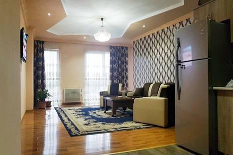 Сдается 3-комнатная квартира посуточнов Кобулети, Кобулети. ул. Руставели 107.