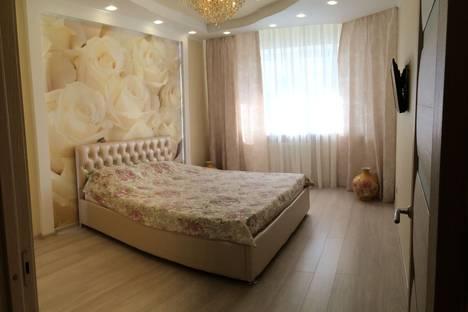 Сдается 1-комнатная квартира посуточнов Тюмени, ул. Мельникайте, 144.