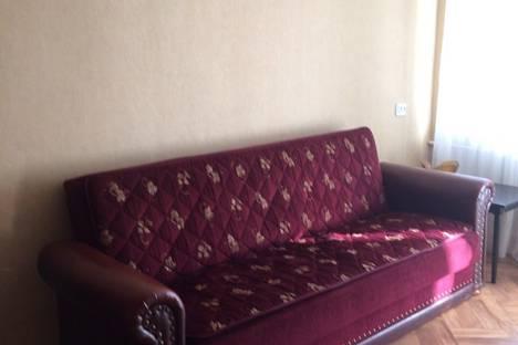 Сдается 3-комнатная квартира посуточно в Симферополе, 16 проспект Кирова.