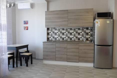 Сдается 1-комнатная квартира посуточно, Крым,улица Коммунаров 15.