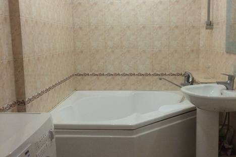 Сдается 2-комнатная квартира посуточно, проспект Дзержинского, 202.