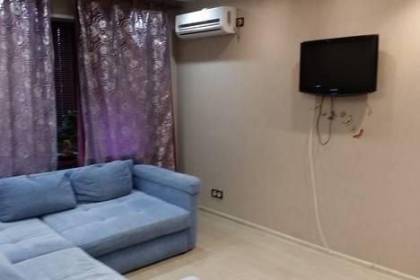 Сдается 1-комнатная квартира посуточно в Нижневартовске, ул. Маршала Жукова, 40.