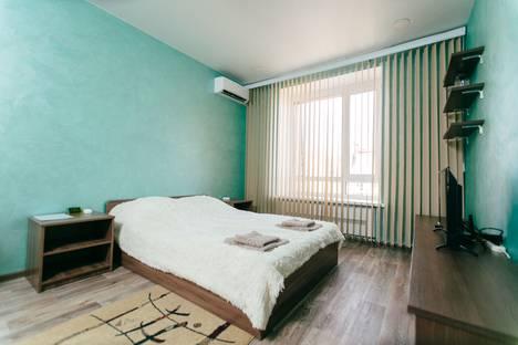 Сдается 1-комнатная квартира посуточно, Советская 190д корп1.
