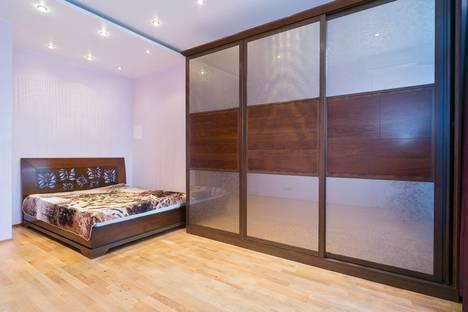 Сдается 3-комнатная квартира посуточнов Юбилейном, Дербеневская Набережная 1/2.