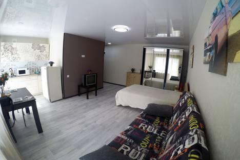Сдается 1-комнатная квартира посуточно в Ижевске, Красногеройская 38а.