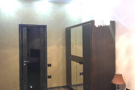 Сдается 3-комнатная квартира посуточно в Баку, ул. Ибрагима Абилова, 43.