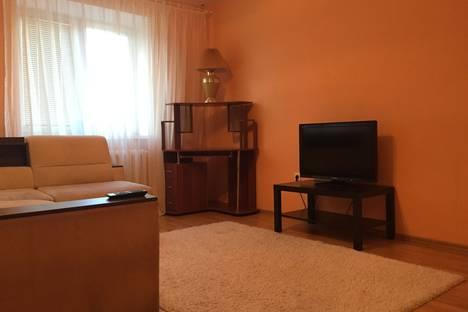 Сдается 1-комнатная квартира посуточно в Тюмени, Прокопия Артамонова 8.
