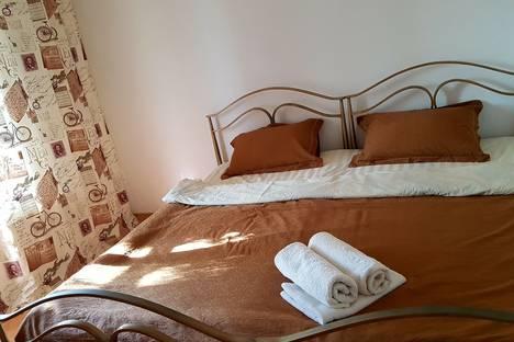 Сдается 2-комнатная квартира посуточно в Алматы, Басенова 47.